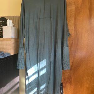 Nwt lululemon vindur green dress!